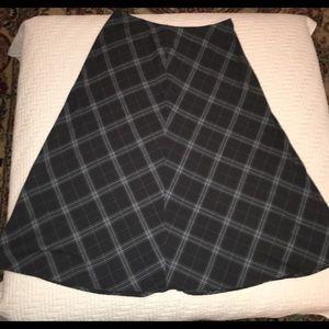 Long plaid skirt Croft and Borrow size 16
